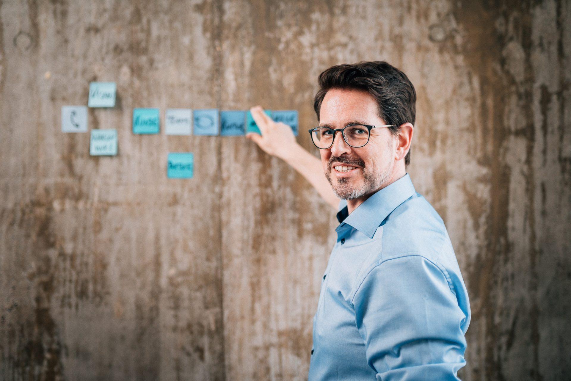 Business Fotograf für Portraits & Unternehmensfotografie ©Offenblende / Joshua JAH
