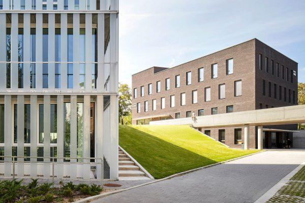 Architektur Fotograf für Gewerbeimmobilien ©Offenblende / Bence BEBO