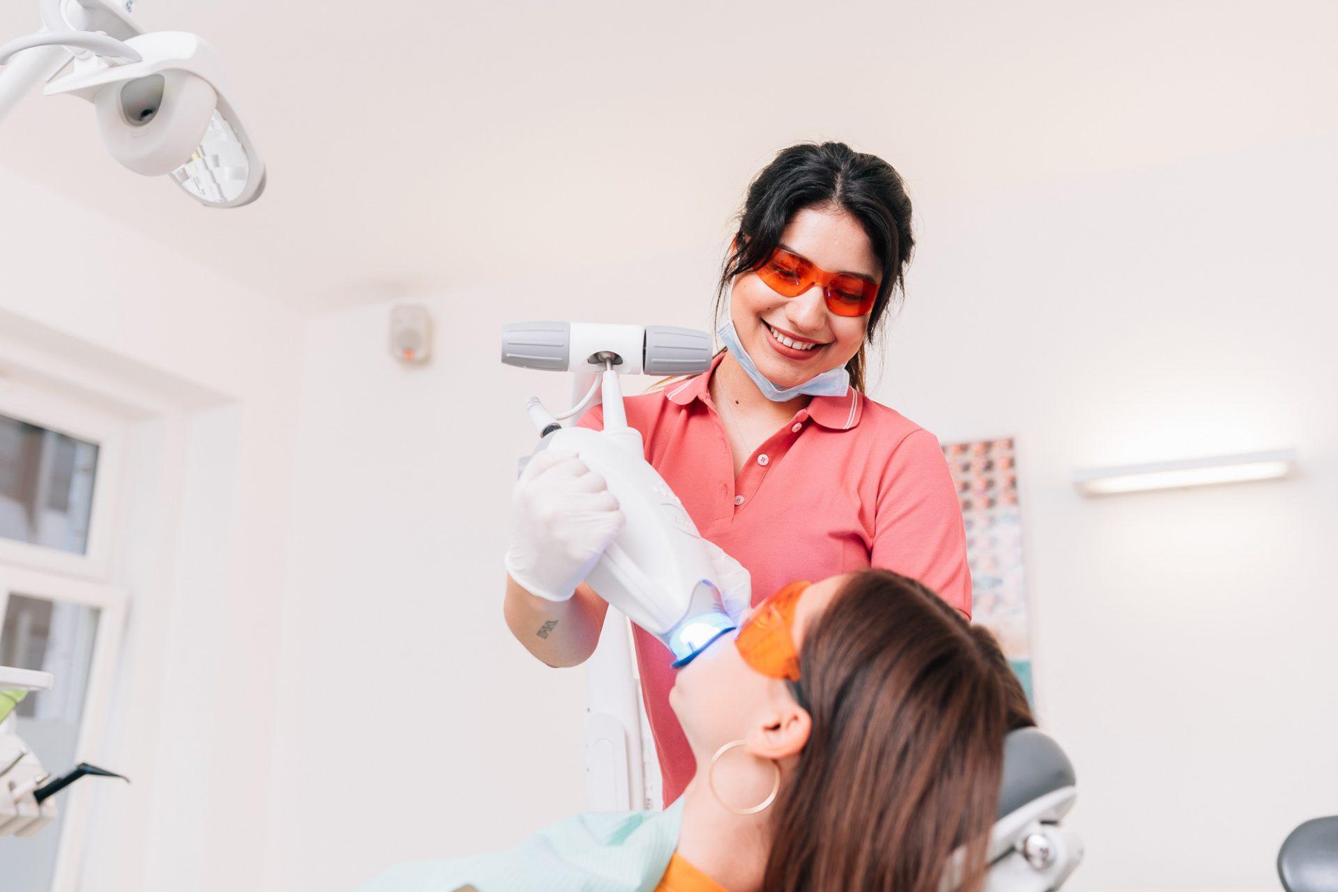 Fotografie für Zahnarztpraxen © Offenblende / Joshua JAH