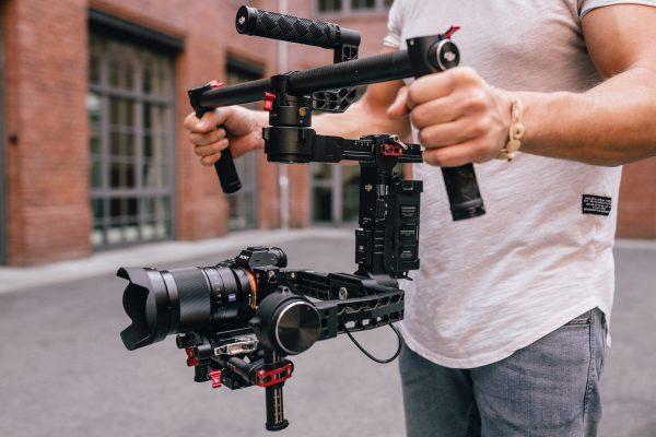 Kameramann für Immobilienvideos - Wie wir Immobilienvideos erstellen ©Offenblende